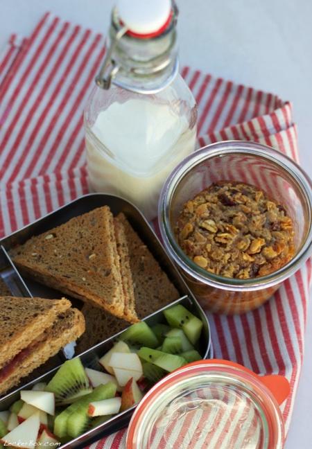 wpid-Oatmeal_Sandwich_2-2014-02-26-07-00.jpg