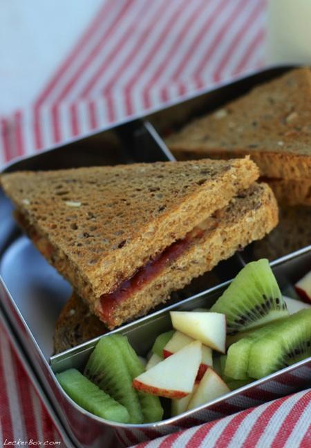 wpid-Oatmeal_Sandwich_4-2014-02-26-07-00.jpg