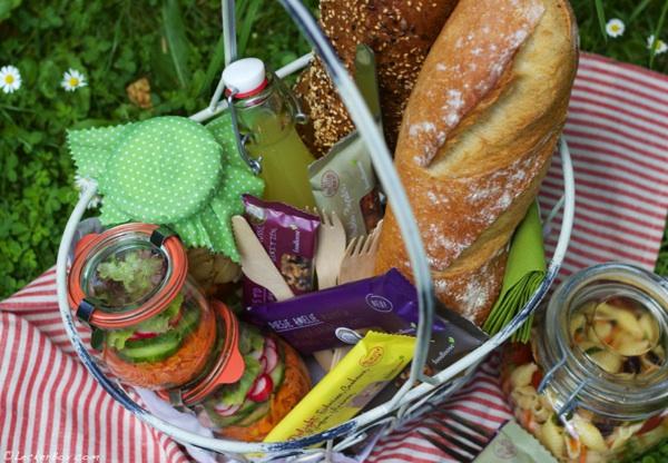 picknick planung was ben tigt man alles und gewinne ein nussriegel paket von foodloose als. Black Bedroom Furniture Sets. Home Design Ideas